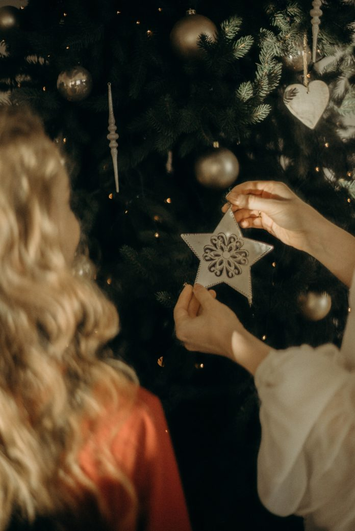 10 Ways to Enjoy LOVE Being Single During the Holidays